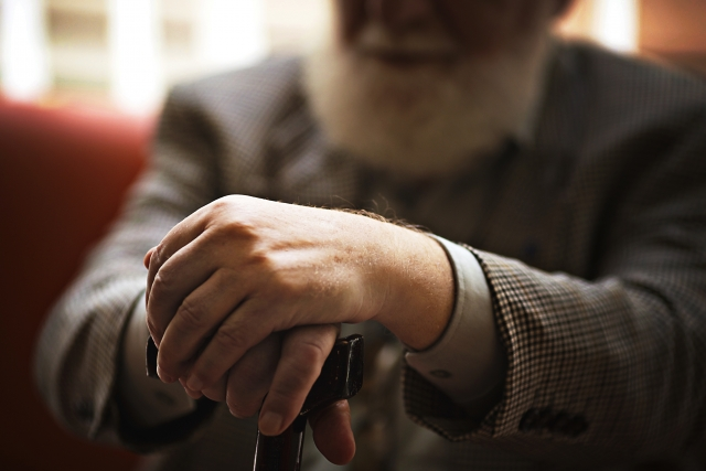 老後の孤独問題。高齢者が感じる不安から抜け出し、充実感を得るには