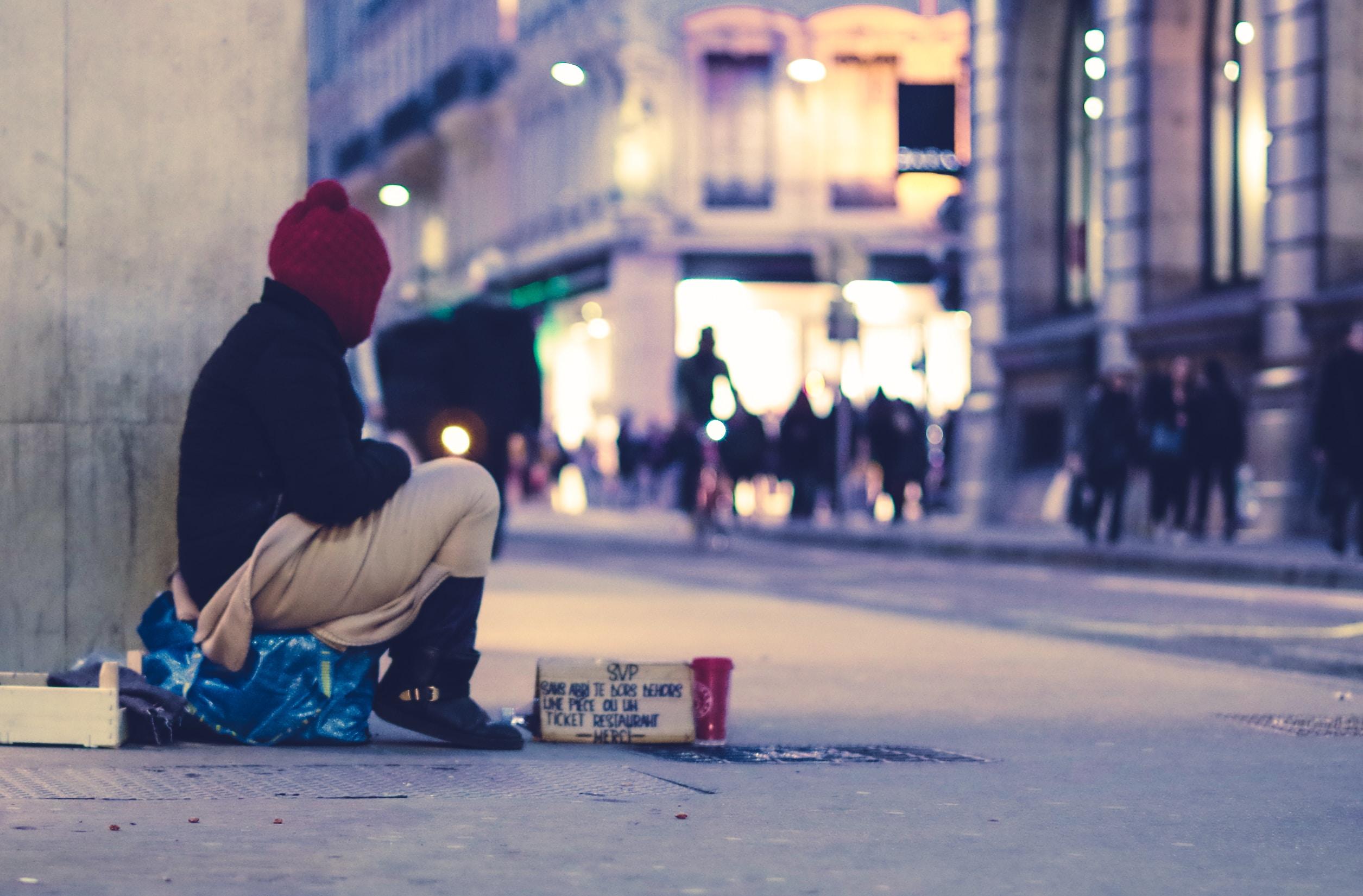 路上生活者だけがホームレスではない|見えにくいホームレス
