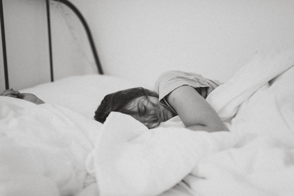 「眠れない」なんてもう言わせない!睡眠の重要性と安眠法4選